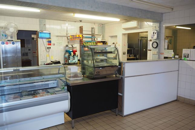 Thumbnail Restaurant/cafe for sale in Cafe & Sandwich Bars WF11, West Yorkshire