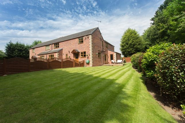 4 bed semi-detached house for sale in Cleveland Grove, Wakefield