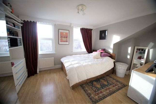 Thumbnail Flat to rent in Trinity Road, Bounds Green, London