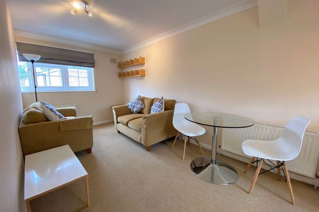 Maisonette to rent in Moscow Road, Bayswater
