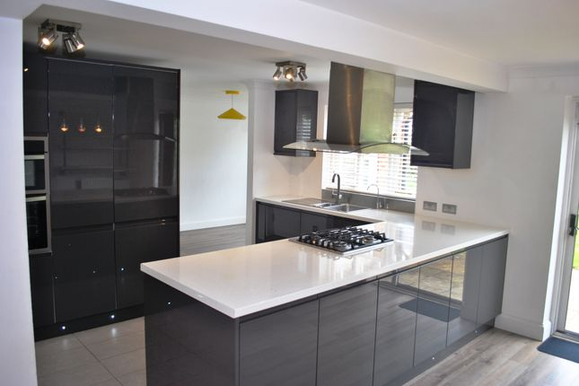 Thumbnail Detached house to rent in Goldings Close, Kings Hill, West Malling