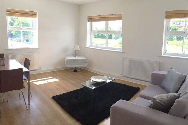 Thumbnail Flat to rent in 70 Aberford Road, Woodlesford, Leeds