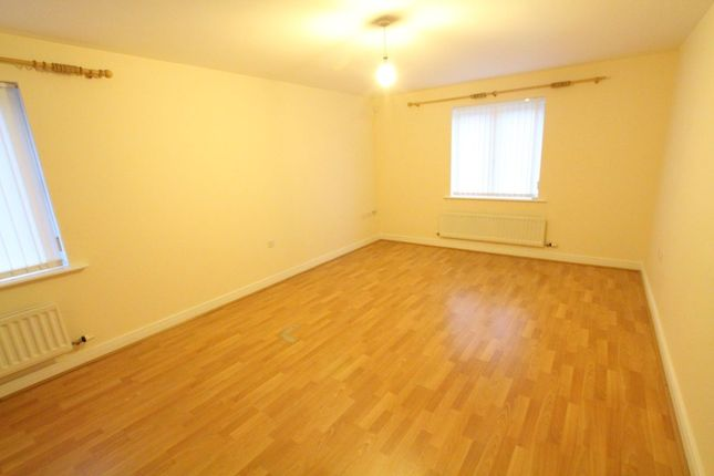 2 bed flat to rent in Windsor Court, Rowlands Gill
