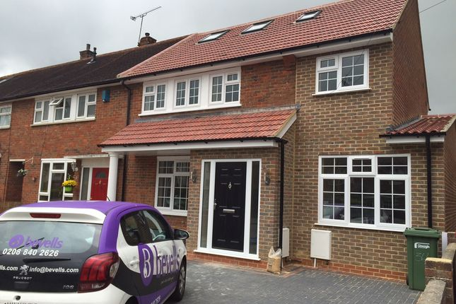 Thumbnail Flat to rent in Trelawney Avenue, Langley, Berkshire