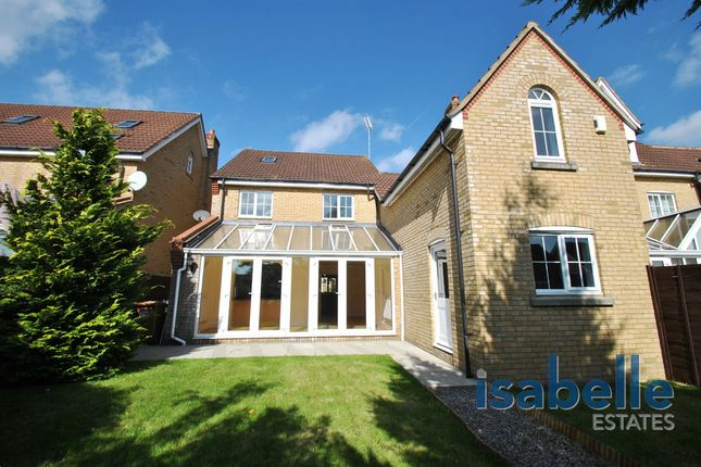 Thumbnail Detached house for sale in Cleveland Way, Stevenage