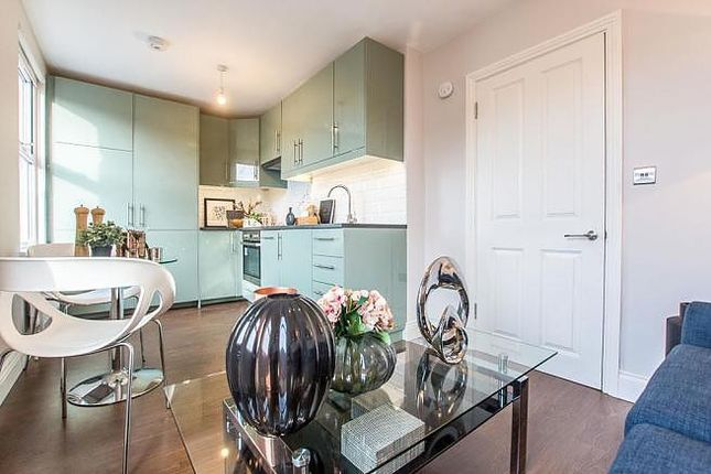 Thumbnail Flat to rent in Manor Park Parade, London