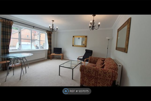 2 bed flat to rent in Two Rivers Way, Newbury RG14