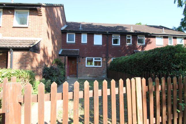 Thumbnail Terraced house to rent in Arnett Avenue, Finchampstead, Wokingham