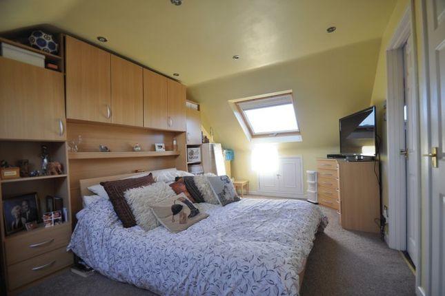 Turgis Road Elvetham Heath Fleet Gu51 4 Bedroom Semi