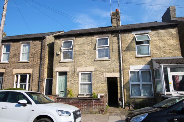 Thumbnail Terraced house for sale in Beche Road, Cambridge