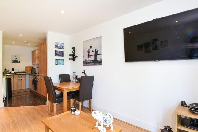 Thumbnail Flat for sale in Old Woking, Surrey