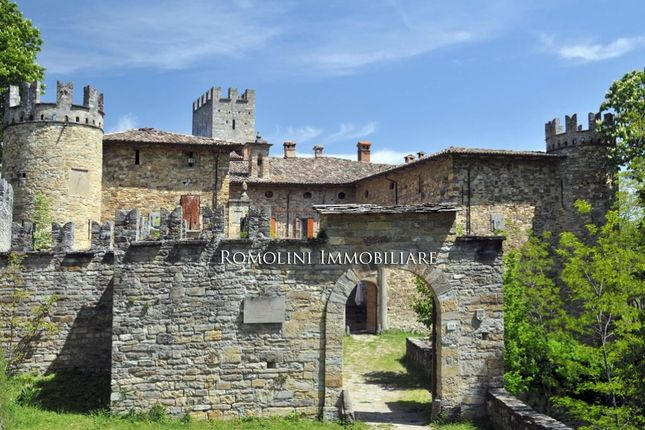 150 bed property for sale in Parma, Emilia-Romagna, Italy