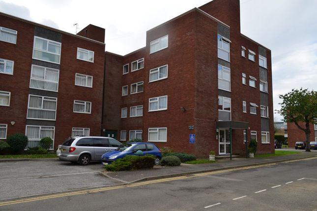 Thumbnail Flat to rent in Grange Gardens, London