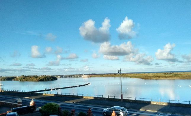 Thumbnail Flat to rent in Promenade, Southport