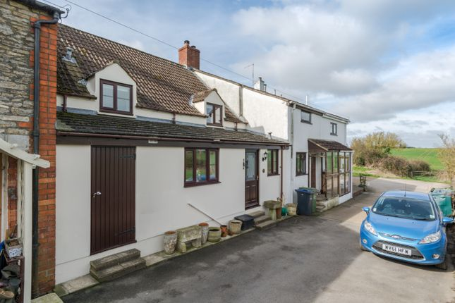 Thumbnail Cottage to rent in Newtown, Hullavington, Chippenham