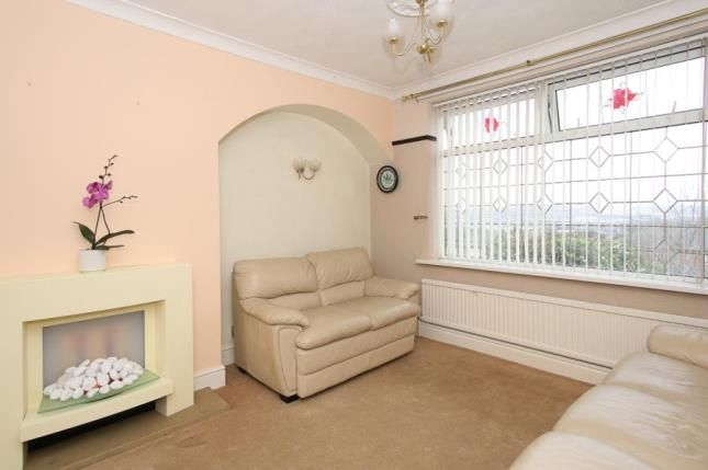 Picture No.04 of Manor Oaks Close, Sheffield, South Yorkshire S2