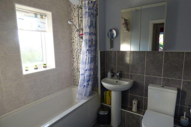 Bathroom of The Paddock, Longworth OX13