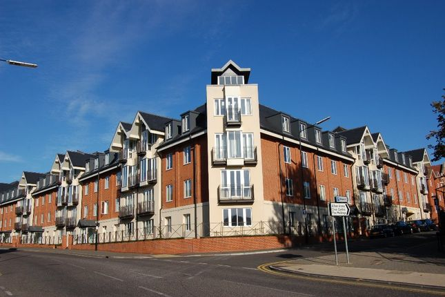 Thumbnail Flat for sale in London Road, St Albans