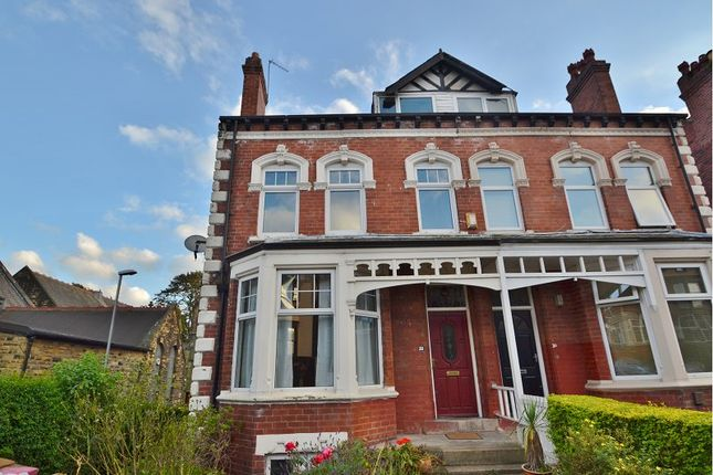 Thumbnail Terraced house to rent in Avenue Crescent, Leeds