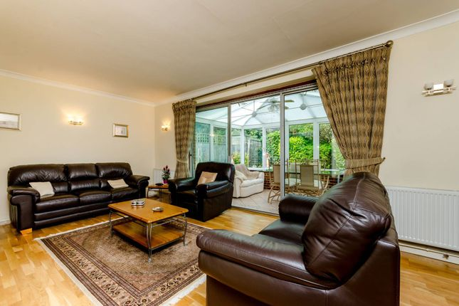 Thumbnail Bungalow for sale in Bassett Close, Sutton