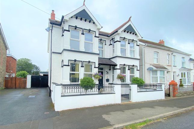Thumbnail Property for sale in Campbell Road, Llandybie, Ammanford