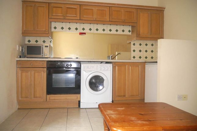 Studio to rent in Nethergate, Dundee DD1