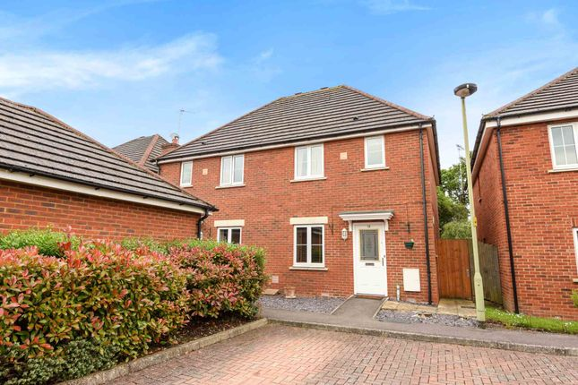 Thumbnail Semi-detached house to rent in Barley Gardens, Winnersh, Wokingham