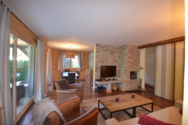 2 bed apartment for sale in Megève, France