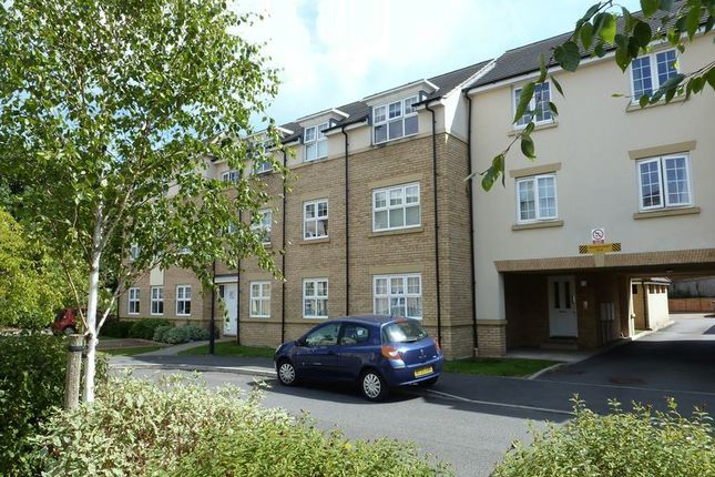 Thumbnail Flat for sale in The Hawthorns, Flitwick