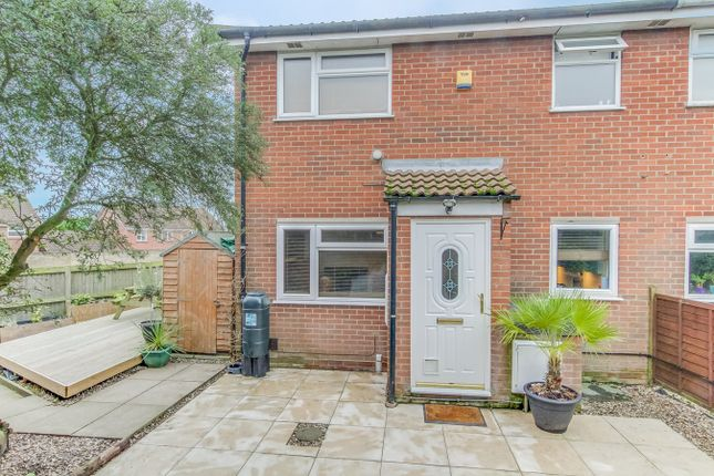 Thumbnail Property for sale in Kingfisher Close, Colchester