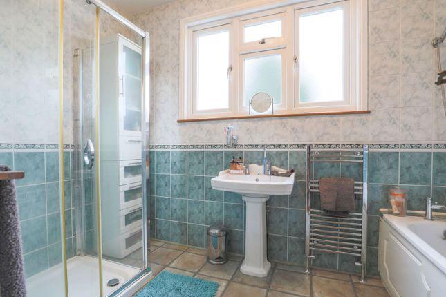 Bathroom of Bellingham Road, London SE6
