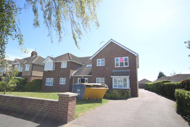 Thumbnail Flat to rent in Douglas Road, Clacton-On-Sea