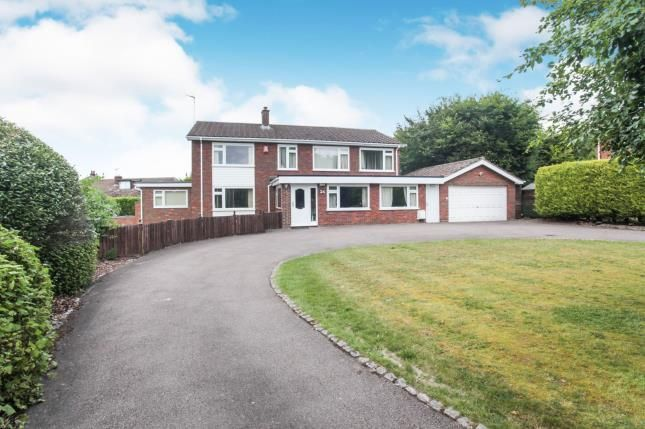 Thumbnail Detached house for sale in The Avenue, Dunstable, Bedfordshire, England