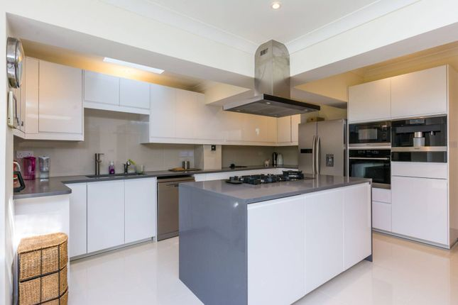 Thumbnail Property to rent in East Acton Lane, East Acton, London