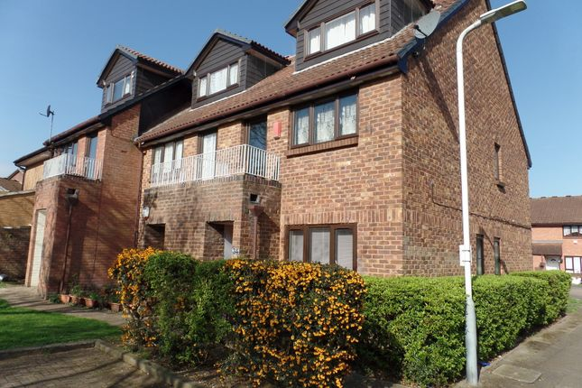 Thumbnail Flat to rent in Coulter Close, Hayes