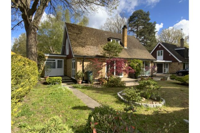 Thumbnail Link-detached house for sale in Birchside Edgcumbe Park, Crowthorne