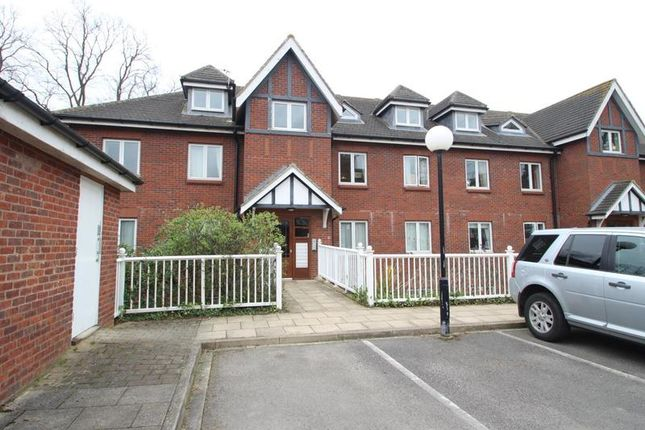 Thumbnail Flat to rent in Bewlay Street, York