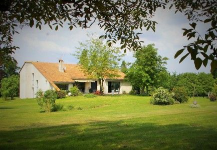Thumbnail Property for sale in Montalembert, Deux-Sèvres, France