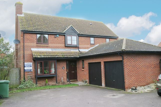 Thumbnail Property to rent in Cheshire Road, Thame, Oxfordshire