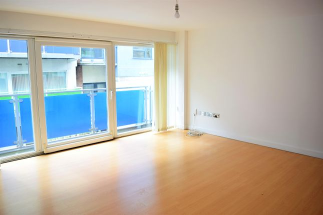Thumbnail Flat to rent in Concord Street, Leeds, West Yorkshire