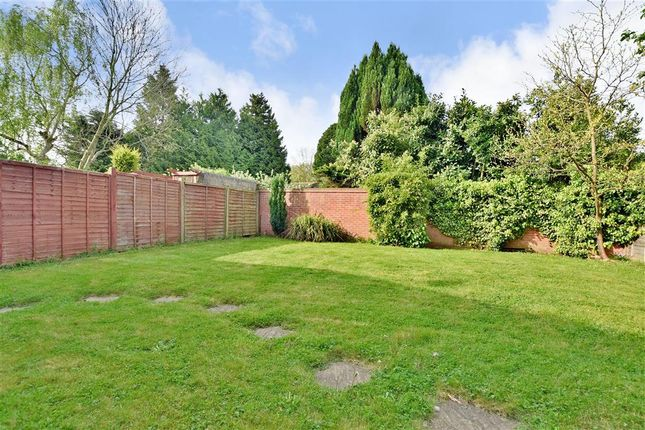 Thumbnail Detached house for sale in Tarham Close, Horley, Surrey