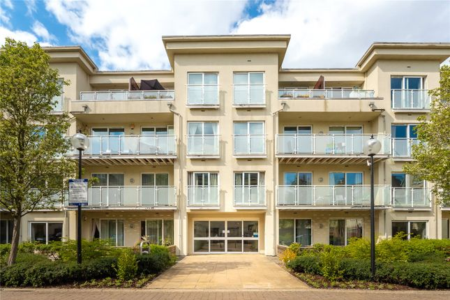 2 bed flat to rent in Woodman Mews, Richmond TW9