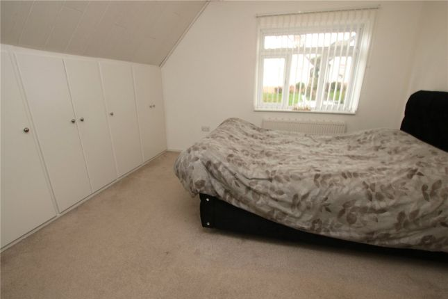 Picture No. 01 of Froxfield Avenue, Reading, Berkshire RG1