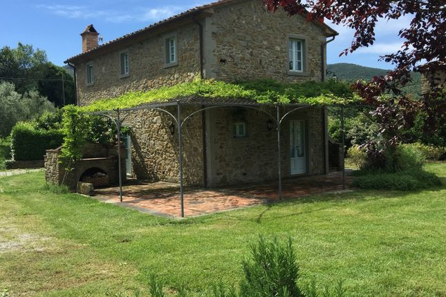 2 bed villa for sale in Cortona, Arezzo, Tuscany, Italy