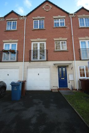 3 bed semi-detached house to rent in Wellington Close, Stafford