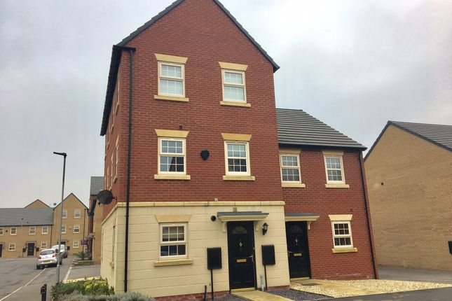 Thumbnail Town house for sale in Hazelmount Way, Castleford