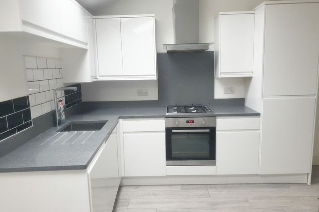 1 bed flat to rent in Jhumat Place, Ilford IG1