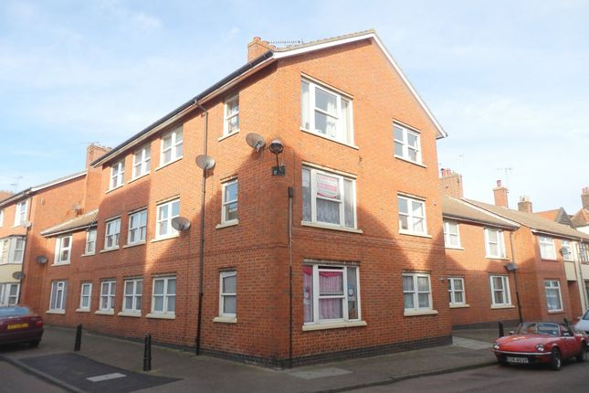 Flat to rent in Market Street, Harwich