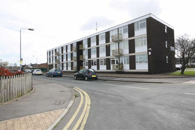 Thumbnail Flat to rent in Jellicoe House, Compass Road, Hull