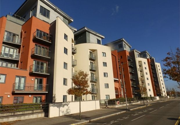 Thumbnail Flat to rent in South Quay, Kings Road, Swansea